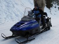 Conduciendo las motos de nieve