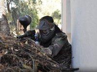 Nasconditi per cacciare il nemico