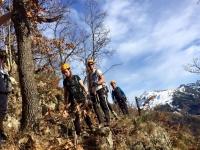 Caminando hacia la ferrata en los Pirineos