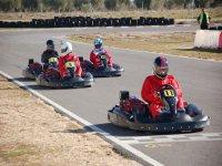 carrera de karting entre amigos.jpg