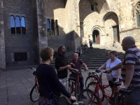 Explaning catalan architecture to the bikers