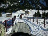 en la moto por la nieve