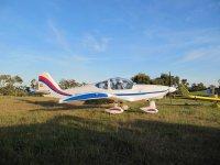 Avioneta en el aerodromo extremeno