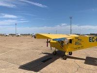 Avioneta en la base aérea