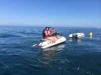 Monta en moto de agua con tus amigos