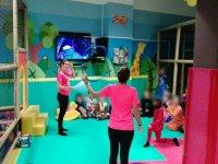 Monitor che intrattengono i bambini