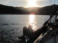 Disfrutando de una despedida a bordo del barco