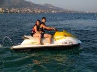 Paseo en jet ski en pareja por la costa
