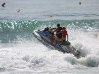 Moto de agua navegando en Fuengirola