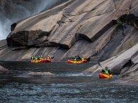 Navegando entre las rocas galegas
