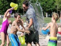 Jugando con agua campamento Valladolid