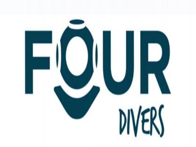 Four Divers Buceo