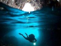 Submarinismo en la Cova del Nao