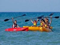 标志魔术皮艇冲浪在巴塞罗那
