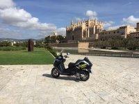 租赁在梅诺卡岛帕尔马滑板车租用摩托车