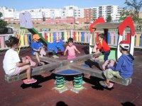 Jugando en el parque campamento urbano Zaragoza