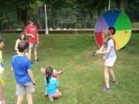 Punteria con balon en el campamento de Aisa