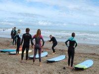 Primeros pasos para surfear por Benicasim