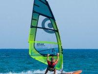 Monitor en clase de windsurf