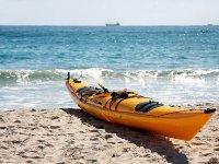 在戴姆斯海滩租独木舟