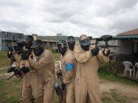 Soldados vigilando el perimetro