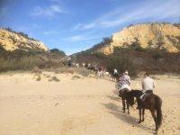 Cavalcando verso le dune