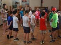 Juegos en grupo en el campamento