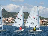 标志帆船俱乐部NAUTIC学生练习帆船