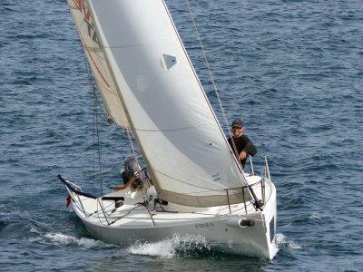 Navegar en velero desde el puerto de Badalona 2 h