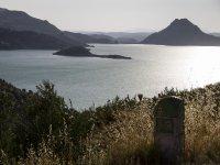 Disfruta de las vistas de Iznajar