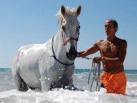 Con el caballo en la playa de Barbate