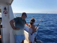 En las playas de Almería pescando en familia