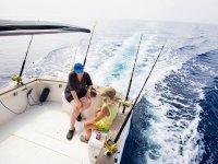 Paseando en el barco de pesca en Denia