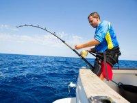 Pescando en la costa de Alicante
