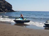 Giro in moto d'acqua attraverso Lanzarote