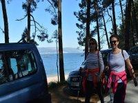 在阿罗萨(Arosa)岛的远足出发