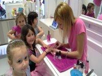 girls enjoying a hairdressing session