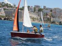 儿童帆船赛