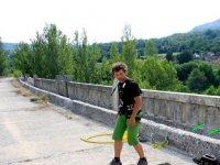 Antes de saltar preparando cuerda