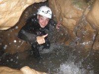 享受峡谷-99-通过洞穴