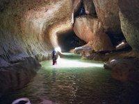 por las grutas