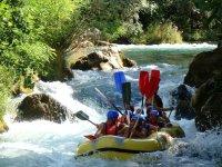 Descenso de rafting para grupos en Girona