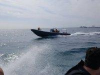 Viaje en el barco del centro de buceo