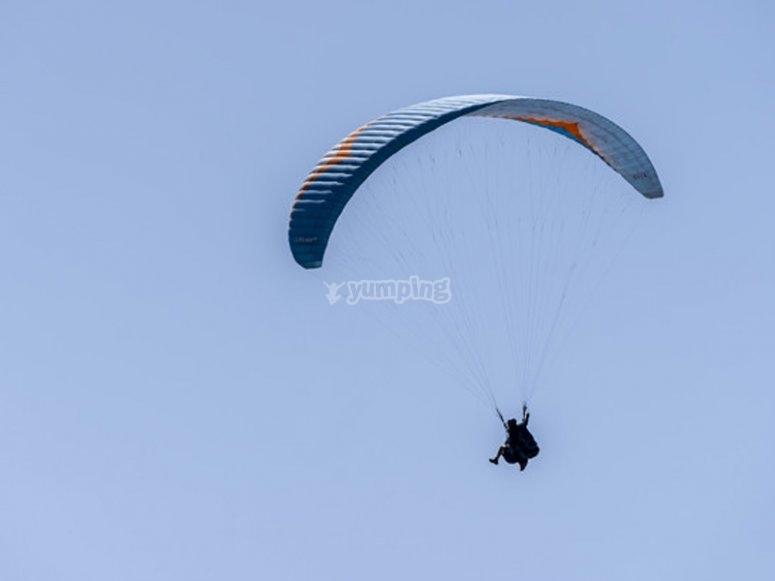 Probar un vuelo en parapente en Santa Pola