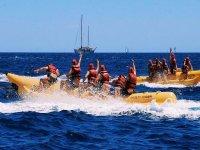 巴塞罗那的香蕉船上