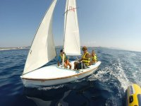ruta en un velero en alta mar