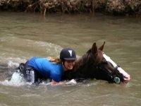 Nadando con el caballo