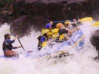 Realiza Rafting