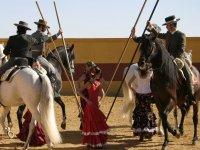 Evento con caballos y bailaoras