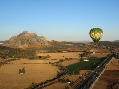 在安特克拉和早餐的气球飞行